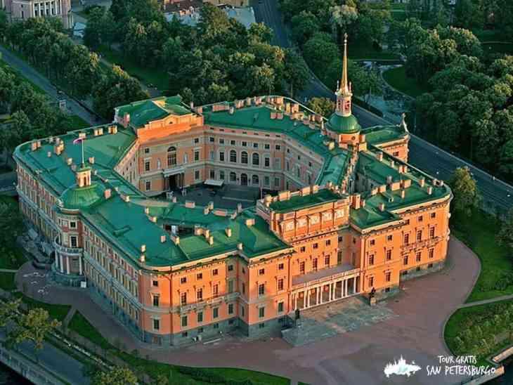 El sorprendente castillo Mijailovski de la ciudad de San Petersburgo