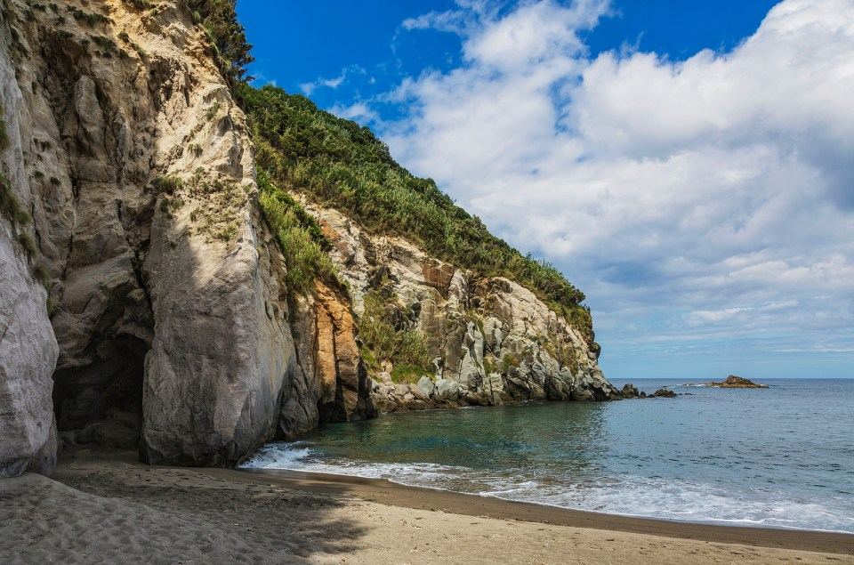 porto formoso sao miguel azores beach