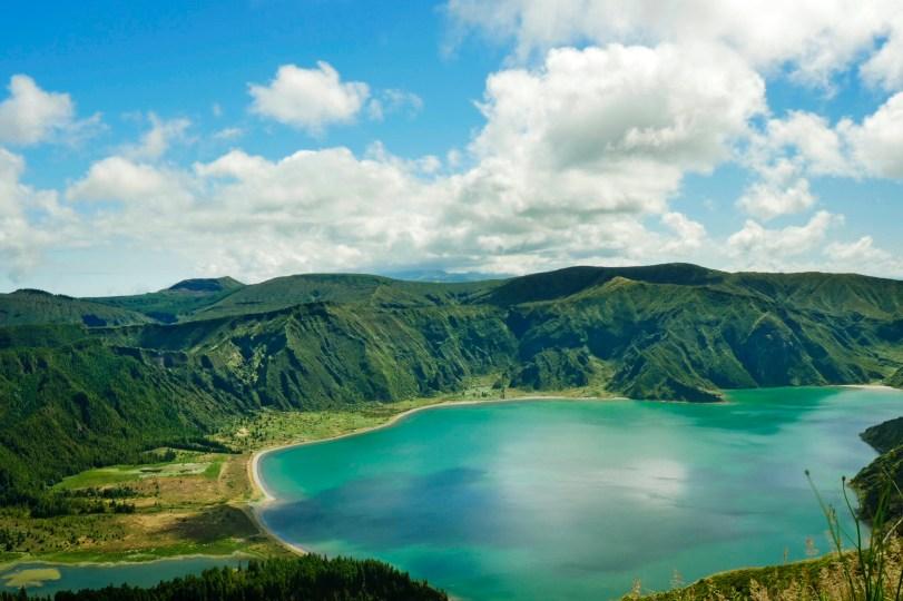 emerald lake lagoa do fogo azores islands sao miguel tour hike