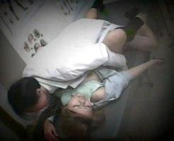 【昏睡レイプ盗撮動画】睡眠剤を直接注射で打たれた女子大生…意識ないまま整体師が中出しを隠しカメラ撮り…