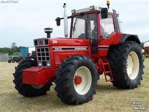 tracteur Case IH 1255 XL
