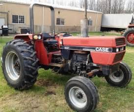 tracteur Case IH 685