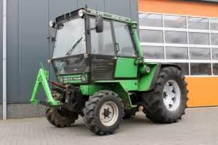 tracteur Deutz-Fahr INTRAC 2004