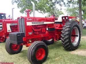 tracteur Farmall 1256