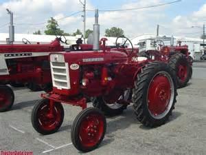 tracteur Farmall 140