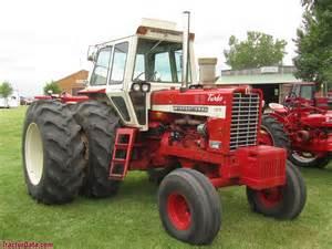 tracteur Farmall 1456
