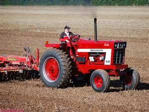 tracteur Farmall 1466