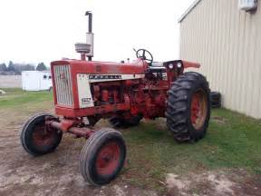tracteur Farmall 706
