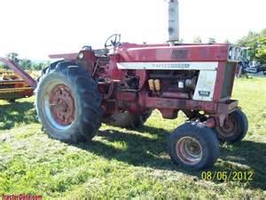 tracteur Farmall 966