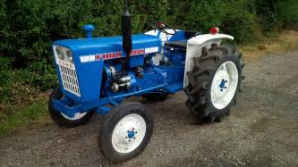 tracteur Ford 1000