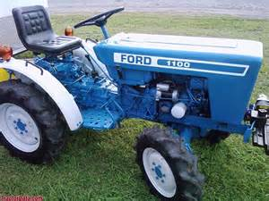tracteur Ford 1100