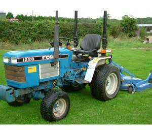 tracteur Ford 1220
