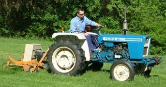 tracteur Ford 1700
