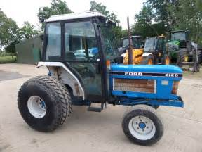 tracteur Ford 2120