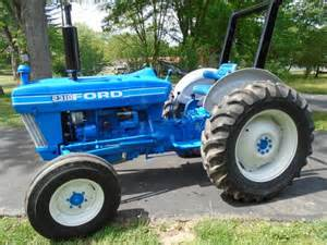 tracteur Ford 2310