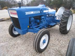 tracteur Ford 2600