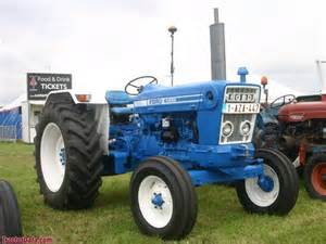tracteur Ford 5600