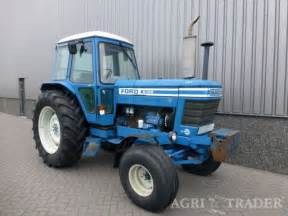 tracteur Ford 8100