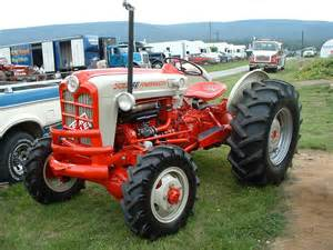 tracteur Ford 841