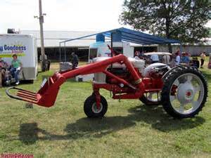 tracteur Ford 940