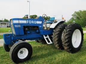 tracteur Ford 9600
