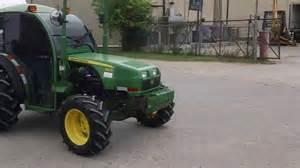 tracteur John Deere 100F