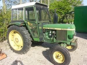 tracteur John Deere 2030