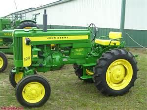 tracteur John Deere 320