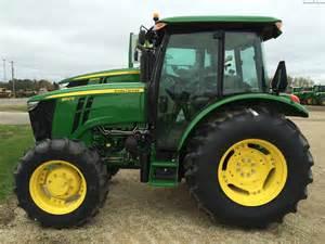 tracteur John Deere 5100E