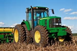 tracteur John Deere 6145J