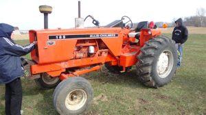 tracteur Allischalmers 185