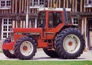 tracteur IH 1055
