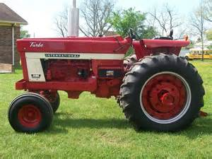 tracteur IH 1066