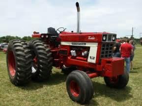 tracteur IH 1566
