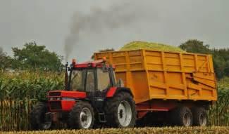 tracteur IH 383