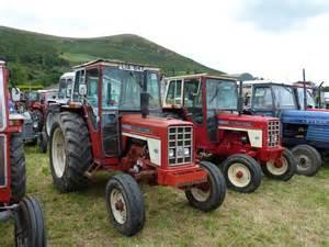 tracteur IH 574