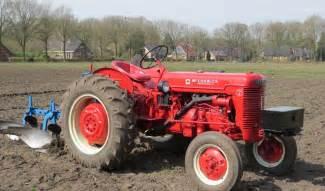 tracteur IH DGD-4
