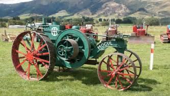 tracteur IH MOGUL 15-30
