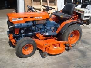 tracteur Kubota B7100HST