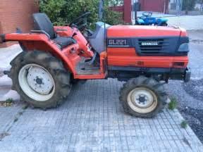 tracteur Kubota GL221