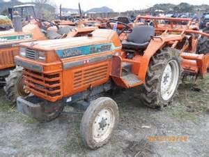 tracteur Kubota L1-225