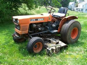 tracteur Kubota L275