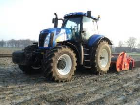 tracteur New Holland 8010