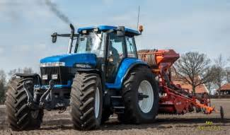 tracteur New Holland 8770