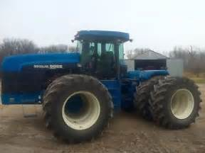 tracteur New Holland 9882