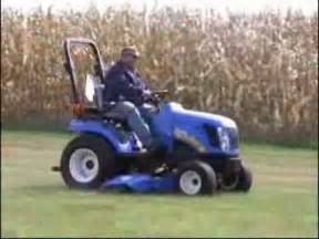 tracteur New Holland BOOMER 1030