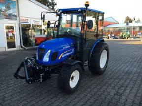 tracteur New Holland BOOMER 20