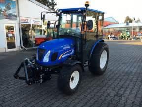 tracteur New Holland BOOMER 20