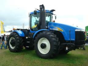 tracteur New Holland T9060