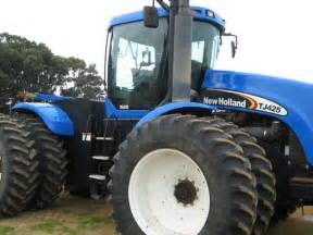 tracteur New Holland TJ425